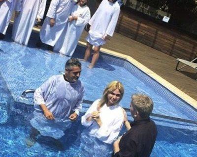 Laura Martino se bautizó en Encarnación