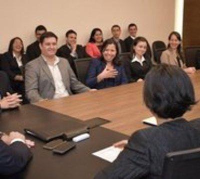 Treinta docentes se alistan para ir a España y cursar maestrías