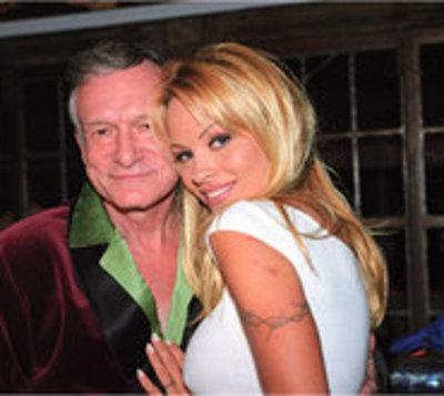 Pamela Anderson despidió a Hugh Hefner con un extraño video