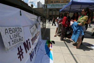 Bolivianas piden legalización del aborto