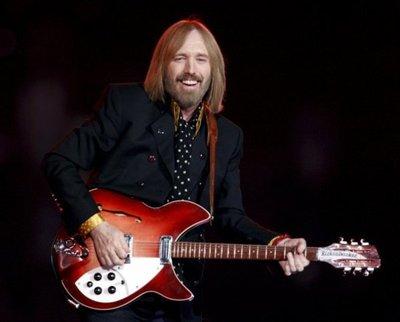 Confirman muerte del roquero Tom Petty