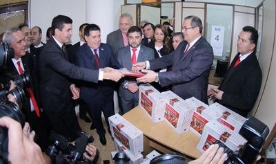 Peña y Cartes anotaron sus candidaturas