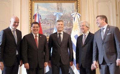 Argentina, Uruguay y Paraguay oficializan candidatura para el mundial 2030
