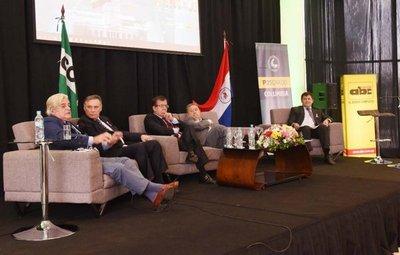 Expresidentes resaltan el rol de partidos políticos