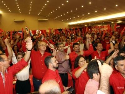 En multitudinario acto, Ulises Quintana muestra que dirigencia de Alto Paraná está con la lista 3A