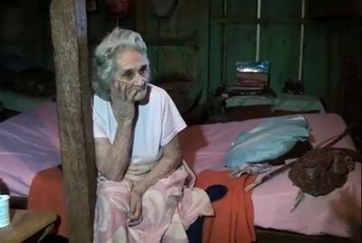 Denuncian a una adolescente por maltratar a su abuela