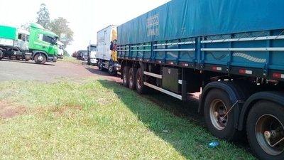 Camioneros realizan manifestación en María Auxiliadora