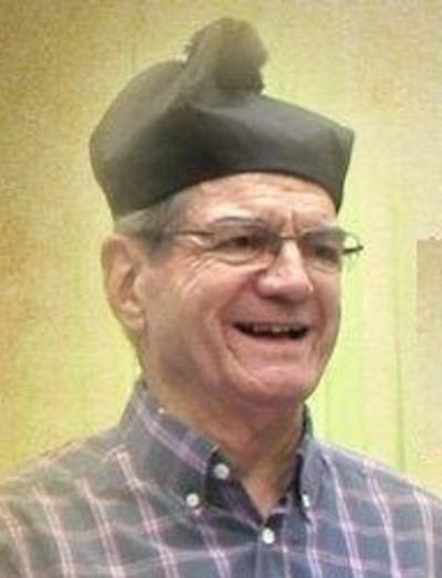 Falleció el sacerdote, docente e historiador, Carlos Heyn