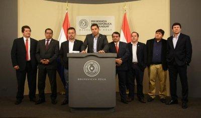 Ante eventual diáspora, diputados llevan su respaldo al presidente