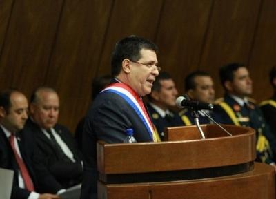En informe anual al Congreso, Cartes describió al Paraguay como país maravilloso