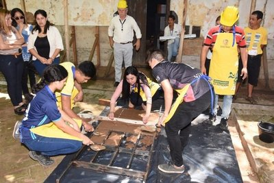 Luqueños fabricarán ladrillos para restaurar ferrocarril