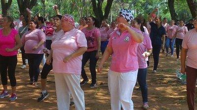 Zumba para concienciar sobre cáncer de mama