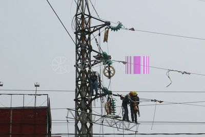 Gran parte del Área Metropolitana quedó sin luz por fuertes ráfagas de vientos