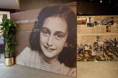 Polémica en EEUU por vender por internet un disfraz de Ana Frank