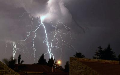 Alerta de lluvias y tormentas eléctricas en 9 departamentos