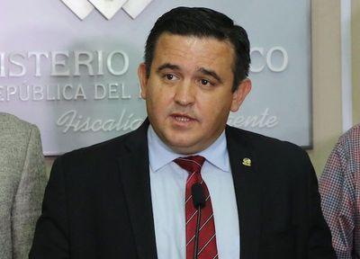 Petta asegura que es candidato legal para la Gobernación de Central