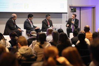 Ministro de la SAS participa en foro sobre seguridad alimentaria en Colombia