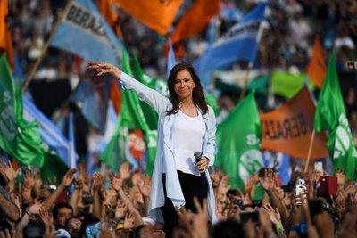 Dos expresidentes vuelven al ruedo por bancas en Senado argentino