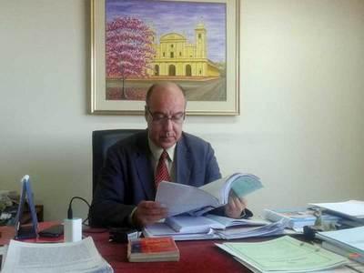 Ratifican a Riquelme como juez del caso Protek