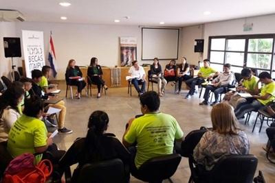 Convocan a jóvenes indígenas para Becas Itaipu