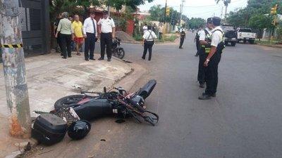 Motociclista fallece tras un choque