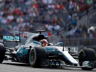 Hamilton lidera en los ensayos libres