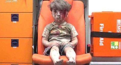 La foto se convirtió en símbolo de la guerra en Siria; hoy su martirio es peor