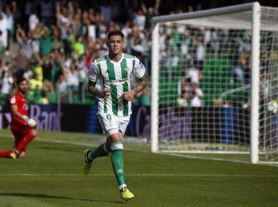 Tonny Sanabria vuelve a marcar en Betis