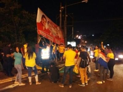 Zacariistas denuncian que patoteros encabezados por Jorge Brítez destruyeron carteles en Franco