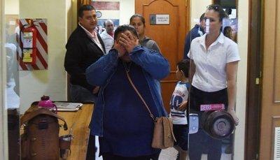 En fallo dividido tribunal absuelve a dos médicos acusados de homicidio