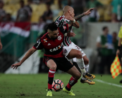 Flamengo quita ventaja a Fluminense
