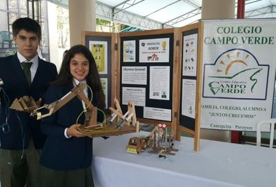 Estudiantes inventan robots ecológicos
