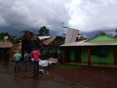 San Rafael del Paraná duramente castigada por un temporal