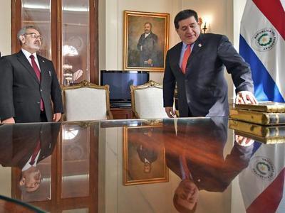 """""""Libro de Oro"""" retorna al Archivo Nacional"""