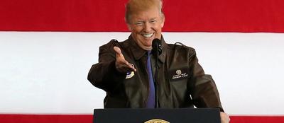 Trump advierte a Corea del Norte a su llegada a Japón