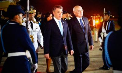 Loizaga cuestiona a Samper por criticar al Paraguay