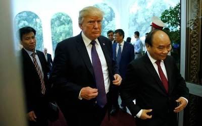 """Trump cierra una gira """"muy exitosa"""" en Asia"""