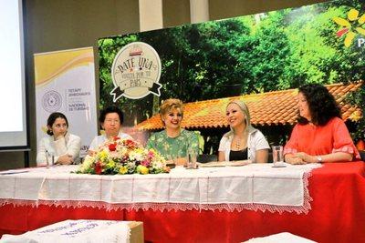 Yataity se apresta a lucir sus tejidos en la Expo Ao Po'i y la Ruta del Ao Po'i