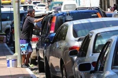 Concejales analizan que la comuna sea la encargada del estacionamiento tarifado