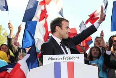"Macron denuncia ""masivo ataque"" hacker"