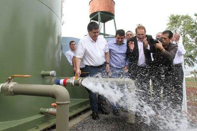 HC inaugura mejoras del sistema de agua y pavimento asfáltico