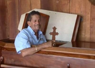 Joven peruano fue retirado de su féretro en medio del velorio al descubrir que estaba con vida