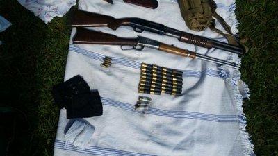 Asalto Guahory: Encuentran armas en auto de policía