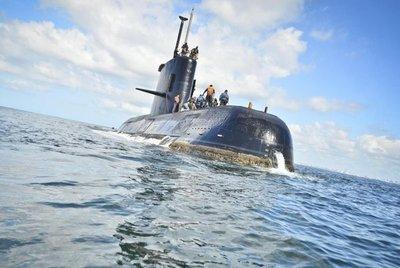 Detectan llamadas de submarino perdido