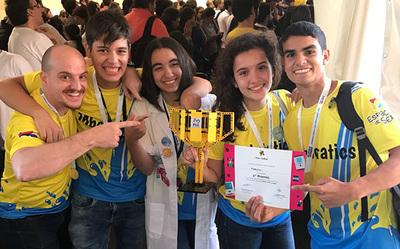 Jóvenes paraguayos se destacan en torneo de robótica en Uruguay