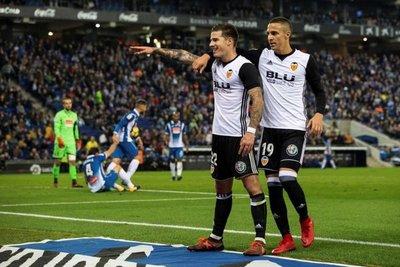 Valencia castiga la mala puntería del Espanyol