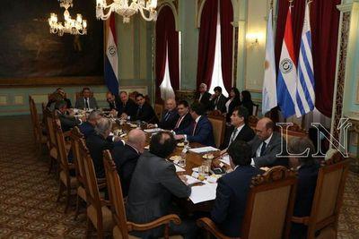 Presidente Cartes recibió a comisión organizadora del Mundial de Fútbol