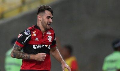 Flamengo remonta y toma ventaja ante el Junior