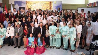 Jóvenes paraguayos culminan exitosamente curso de chino-mandarín