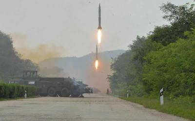 EE.UU, Japón y Corea del Sur pidieron una reunión urgente tras el disparo norcoreano